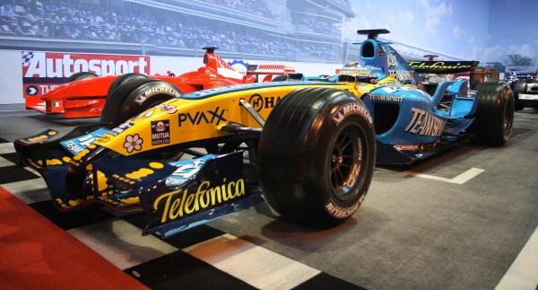 Renault-2006-R26-F1-Car