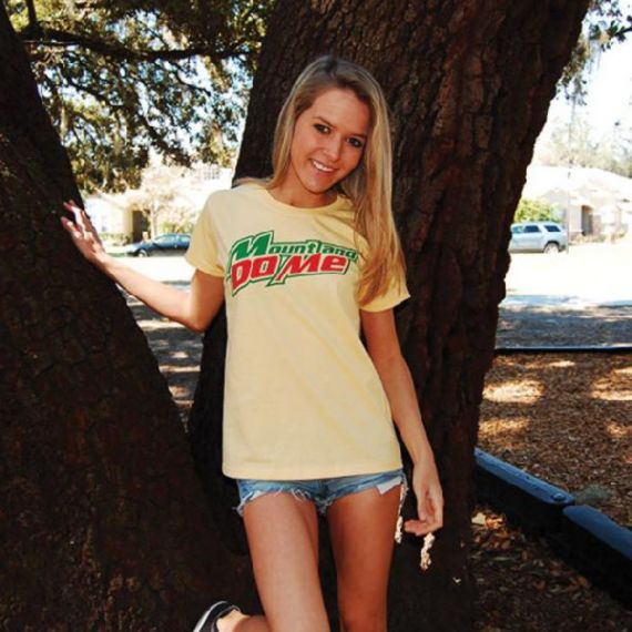 girls-in-hilariuos-shirts53