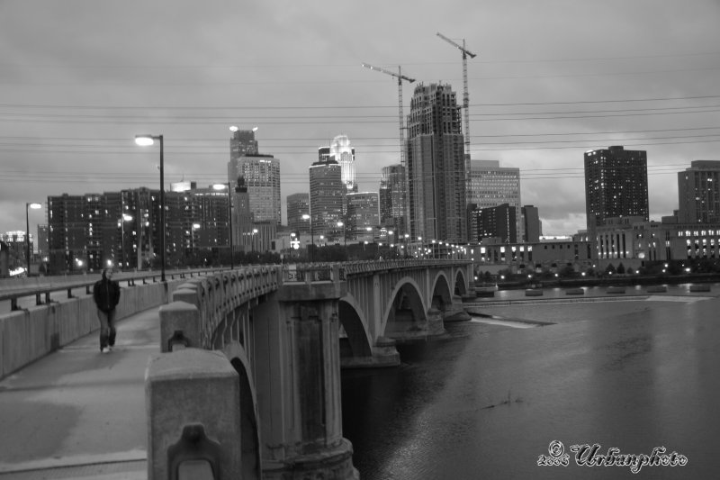 bw_skylne_3rd_ave_bridge_1_