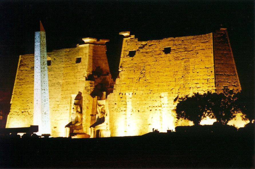 egypt-luxor-temple-front-night